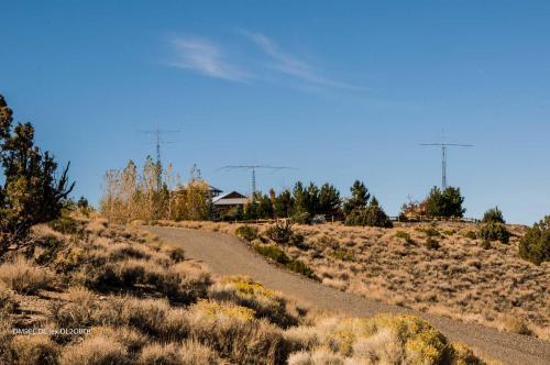 w7cy-hilltop